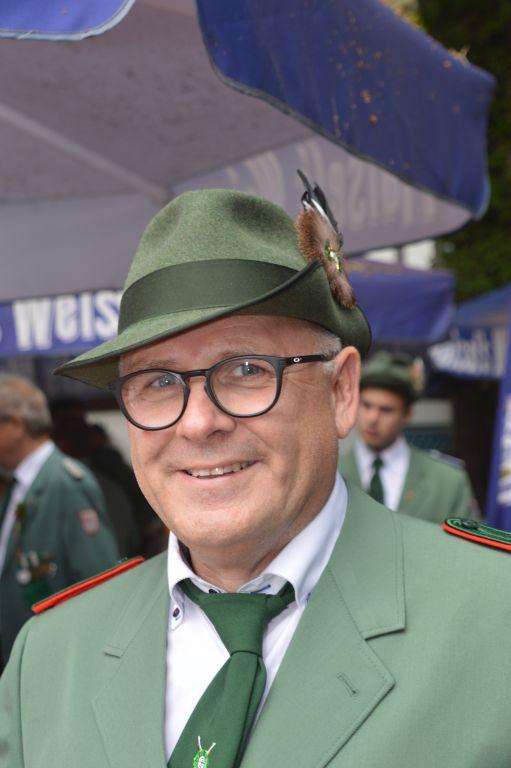 <b>Christian Krog</b> ist neuer Schützenkönig in Höxter. Der Schütze der 3. - dsc_0745-1